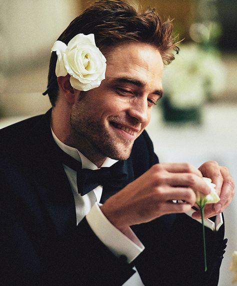 "robsource: ""Robert Pattinson photographed for Dior Homme 2020 "" Robert Pattinson Dior, Robert Pattinson Twilight, Steve Aoki, Twilight Edward, Robert Douglas, Harry Potter, Edward Cullen, Most Handsome Men, Kristen Stewart"