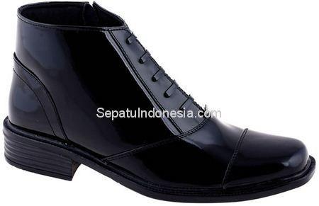 Sepatu Boot Jkc 17 81 Kulit Hitam 38 43 Rp 544 800 Sepatu