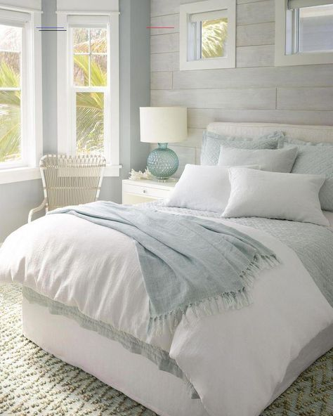 "The Linen Sky Blue Quilt Capture linen's timeless appeal with this casually elegant modern take on the classic quilt. Lush linen on the front, a thin layer of batting in between and silky cotton percale of the back add up to the perfect extra layer for transitional spring nights. Traditional diamond quilting stitch keeps it all together. Laundered linen quilt is washed and tumbled to soft perfection for a relaxed, lived in look.Stone washed for softness. Polyester batting. 2"" straight edge flang Master Bedroom Design, Modern Bedroom, Master Suite, Contemporary Bedroom, Bedroom Designs, Bedroom Small, Bedroom Neutral, Bedroom Classic, Minimalist Bedroom"