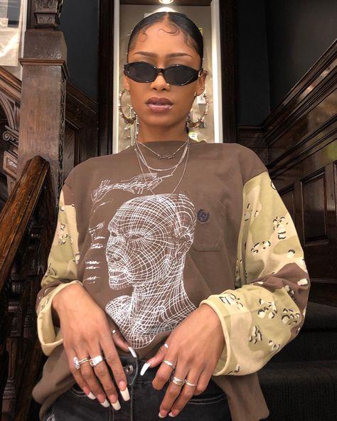 Hip Hop Urban Fashion www. - - - Informations About Hip Hop Urban Fashion www. 2000s Fashion, Look Fashion, Womens Fashion, Urban Fashion, Fashion Ideas, Fashion Hacks, Black Girl Fashion, Tomboy Fashion, Petite Fashion