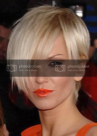 More Pics Of Sarah Harding Pixie Sarah Harding Hair Short Hair Styles Hair Styles 2014