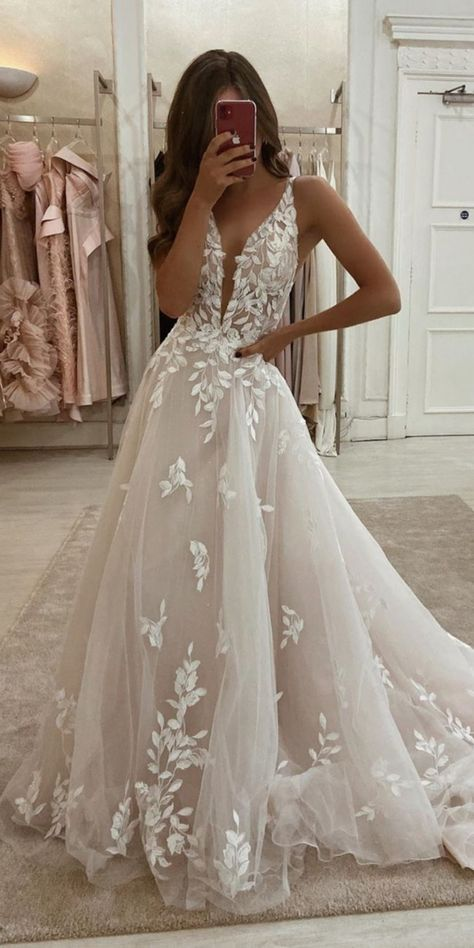 Cute Wedding Dress, Wedding Dress Trends, Best Wedding Dresses, Ivory Lace Wedding Dress, Relaxed Wedding Dress, Weeding Dresses, V Neck Wedding Dress, Applique Wedding Dress, Vintage Lace Wedding Dresses