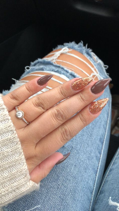 (notitle) The post (notitle) & Nailssss appeared first on Fall nails . Fall Gel Nails, Fall Acrylic Nails, Acrylic Nails Coffin Short, Aycrlic Nails, Fall Nail Art, Acrylic Nail Designs, Winter Nails, Fall Almond Nails, Fall Nail Colors