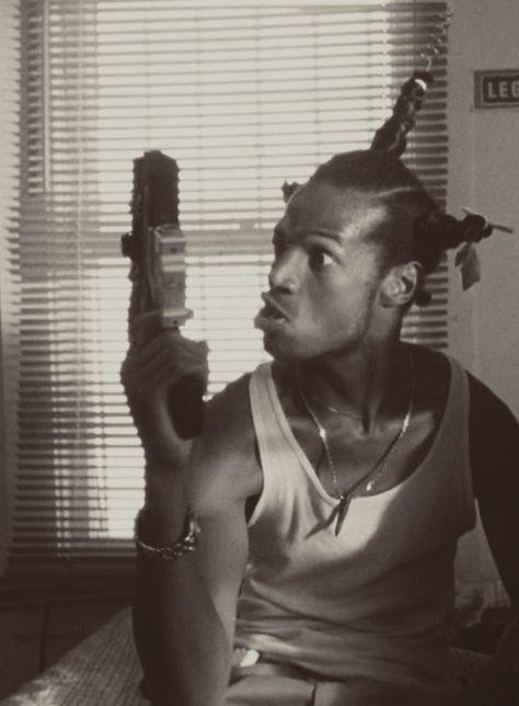 Marlon Wayans in Don't Be a Menace to South Central While Drinking Your Juice in the Hood Arte Do Hip Hop, Hip Hop Art, Mode Hip Hop, 90s Hip Hop, Kenan E Kel, Willian Smith, Fille Gangsta, Gangsta Gangsta, Ps Wallpaper