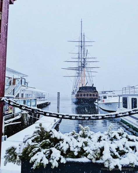 """Amanda Jones on Instagram: """"another day in New England, another snowy wharf photo ❄️ • • • • • #newport #newportri #newportrhodeisland #newengland #newengland_igers…"""""""