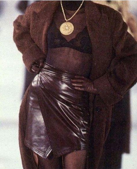 Linda Evangelista for Isaac Mizrahi 1991 Fashion Guys, Fashion Killa, Look Fashion, 90s Fashion, Couture Fashion, Runway Fashion, High Fashion, Fashion Show, Vintage Fashion