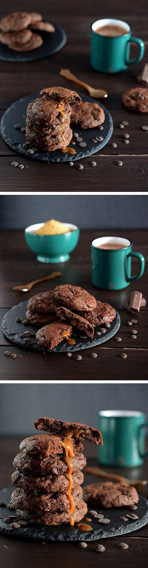 Galletas de chocolate rellenas de caramelo y nutella / de ¡Que cosa tan dulce!