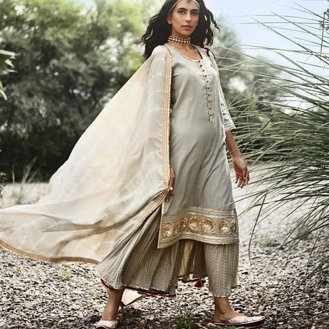 Raiann On Instagram I N T R O D U C I N G Khara Kapas Meaning Pure Cotton In Hindi Started With The Belief Elegant Outfit Indian Fashion Trends Fashion