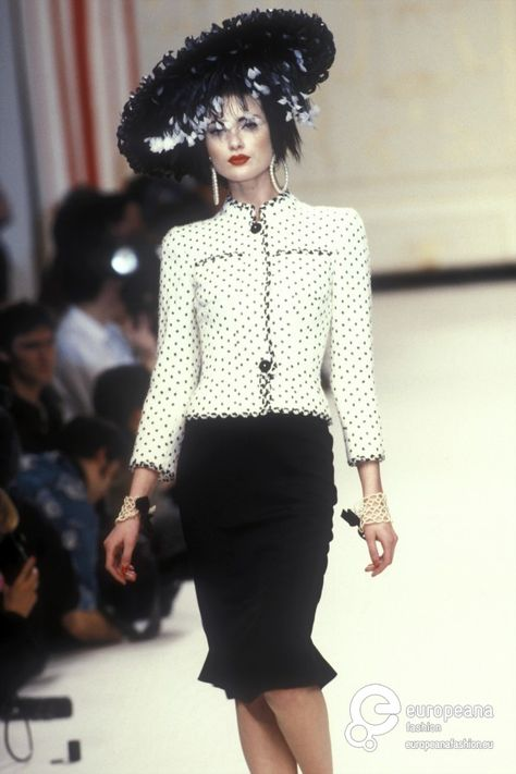 Chanel Spring-Summer 1995 Couture - Chanel Dresses - Trending Chanel Dress for sales - Chanel Spring-Summer 1995 Couture