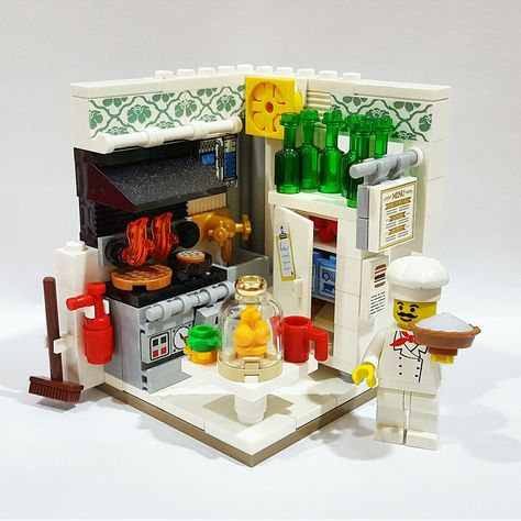 LEGO New City Picnic Restaurant Hot Dog Stand Food Ketchup and Mustard