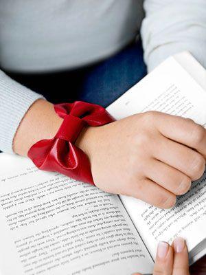 bow bracelet/cuff