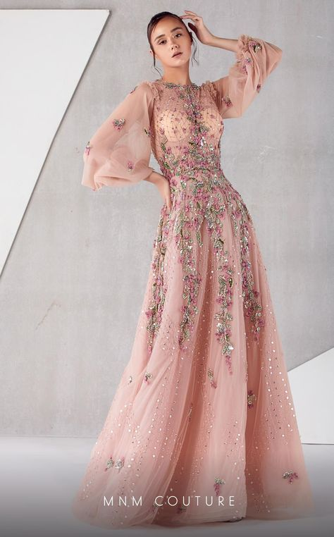 Runway and haute couture fashion images. Pakistani Gowns, Pakistani Bridal Wear, Couture Dresses, Fashion Dresses, Haute Couture Gowns, Fantasy Gowns, Fantasy Outfits, Pink Gowns, Pink Dress