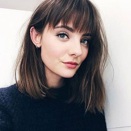 23 Short To Mid Length Hairstyles With Fringe Fashions Eve Shoulder Length Hair With Bangs Medium Length Hair Styles Hair Lengths