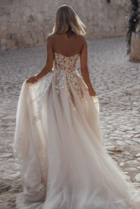 Popular Sweetheart Illusion Long Wedding Dress, 2019 Wedding Dress #weddingdresses #bridalgown