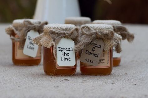 Honey Country Wedding Favors. Hmmm I wonder if red apple has these?