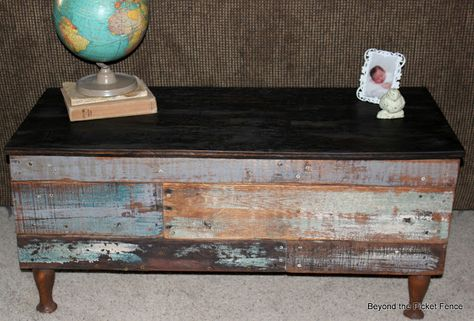 Beyond The Picket Fence: Pallet Storage Bench/Coffee Table Tutorial