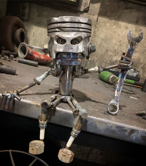 Car Part Furniture, Automotive Furniture, Automotive Decor, Welding Art Projects, Metal Art Projects, Blacksmith Projects, Art En Acier, Car Part Art, Metal Sculpture Artists