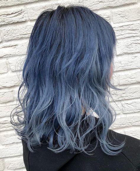 髪色 髪型 ハイトーンカラー 外国人風 透明感 ユニコーンカラー ブルー
