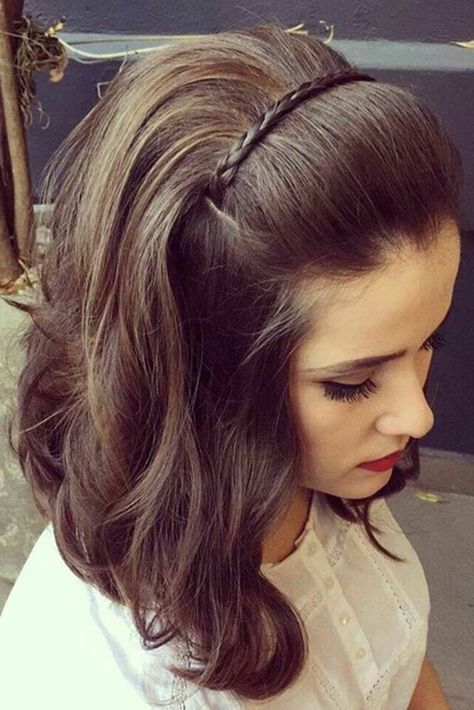 15 Elegance Cute Hair Style For Medium Hair To Attend The Party Fashiotopia Short Wedding Hair Medium Hair Styles Short Hair Styles