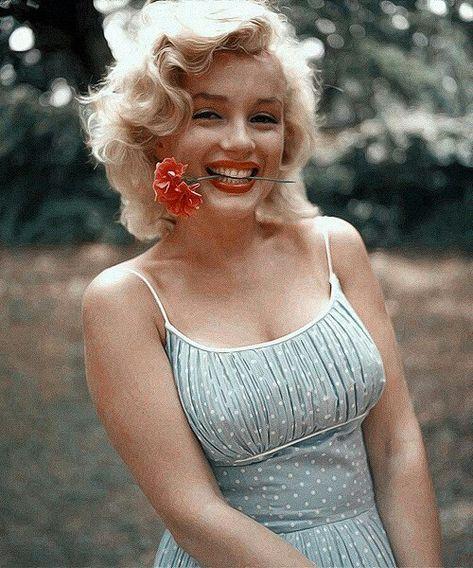 World,Marilyn Monroe Lil.World women inspiration gadot monroe face Old Hollywood, Hollywood Glamour, Classic Hollywood, Hollywood Icons, Style Marilyn Monroe, Arte Marilyn Monroe, Marilyn Monroe Wallpaper, Marilyn Manson, Marilyn Monroe Clothes