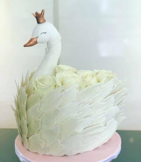 Toni's swan cake