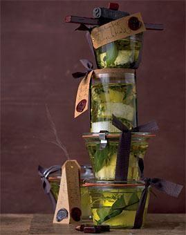 Herzhafte Geschenke aus der Küche: Essig, Öl & mehr