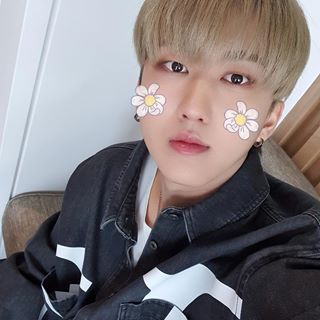 C H A N G B I N Straykids Changbin Skz Stay Jyp Idol Kpop Selca Soft Binnie Cute Kids Pictures Boy Bands Baby Face