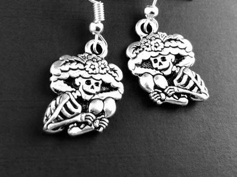 #jewelry #earrings #dangledropearrings #earrings #dangleearrings #spotlightjewelry #etsyjewelry #standwithsmall #shopsmall