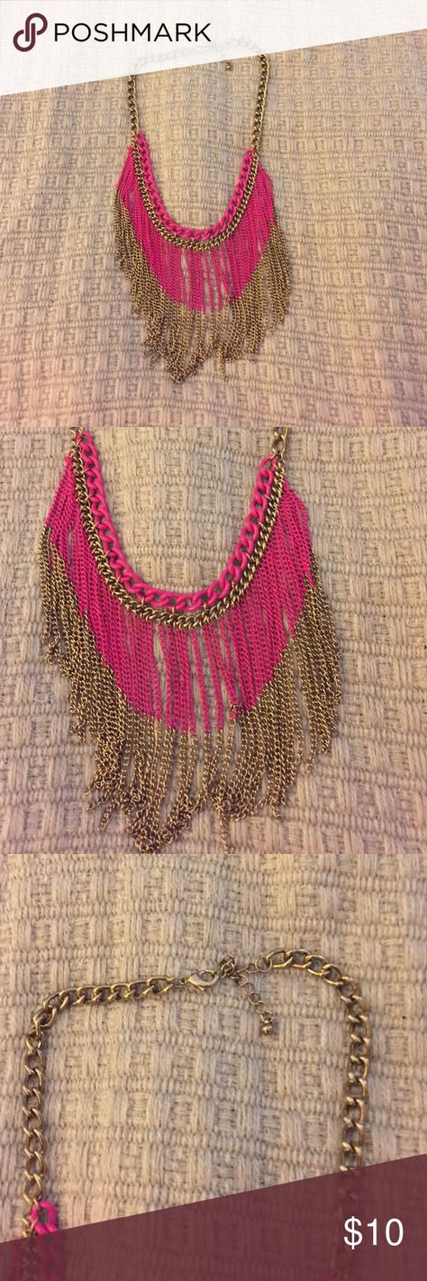 Gold Statement Necklace Beautiful gold/pink statement necklace! Dresses up any shirt or dress! A WOW piece to own. Jewelry Necklaces