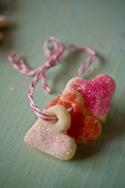 Sweet sugar cookie bracelet..srsly..how cute is this? Tiny cookie hearts bracelet..cute blog explaining how-to