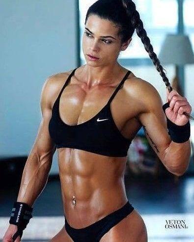 12+ Muscly women ideas