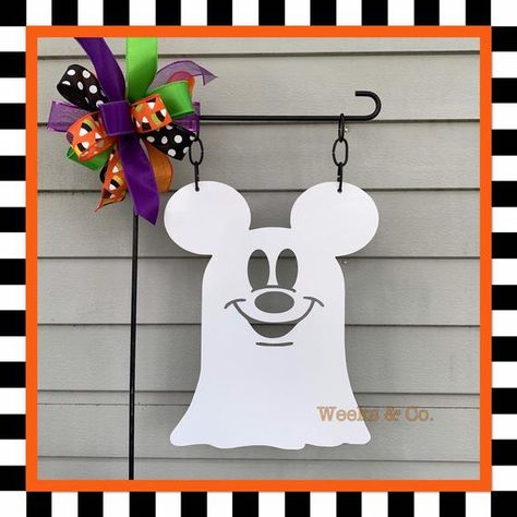 Made of aluminum composite material. Will not rust fade or rot. Comes ready to hang. 14 inch wide x 15 inch tall. Choose garden flag only or purchase garden flag is coordinating Bow. Disney Halloween Decorations, Mickey Halloween, Holidays Halloween, Scary Halloween, Mickey Decorations, Disney Holidays, Outdoor Halloween, Couple Halloween, Halloween Town