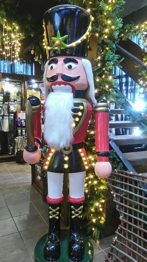 Santa's wearhouse, big soldier Nutcracker