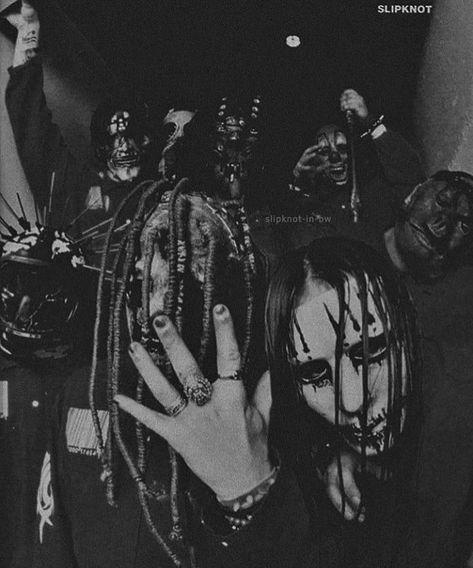 Slipknot in black and white: Photo