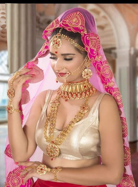 Gold plated Wedding Combo Ladies Fashion Jewelry Full Bridal Set in Red