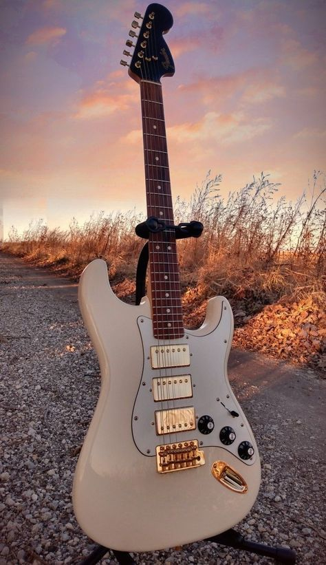 Fender Guitars - Simple And Effective Tips About Learning Guitar Fender Stratocaster, Gretsch, Fender Guitars, Fender Electric Guitar, Vintage Electric Guitars, Cool Electric Guitars, Best Electric Guitar, Fender Acoustic Guitar, Gibson Les Paul