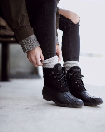 Black Sperry Boots Outfit ideas