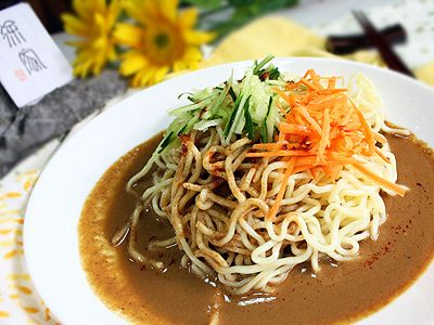Taiwanese summer cold noodle (garlic and sesame sauce) 涼麵