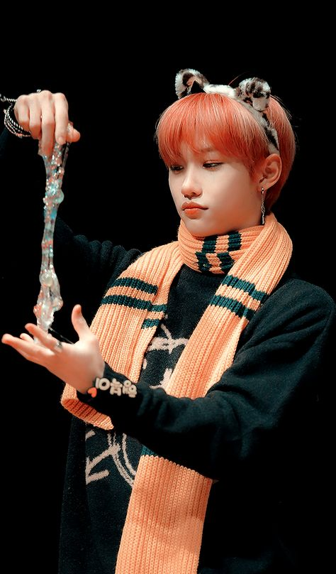 Lee Know Stray Kids, Felix Stray Kids, Taehyung, Odd Compliments, K Wallpaper, Crazy Kids, Kim Hongjoong, Save The Children, Pretty Baby