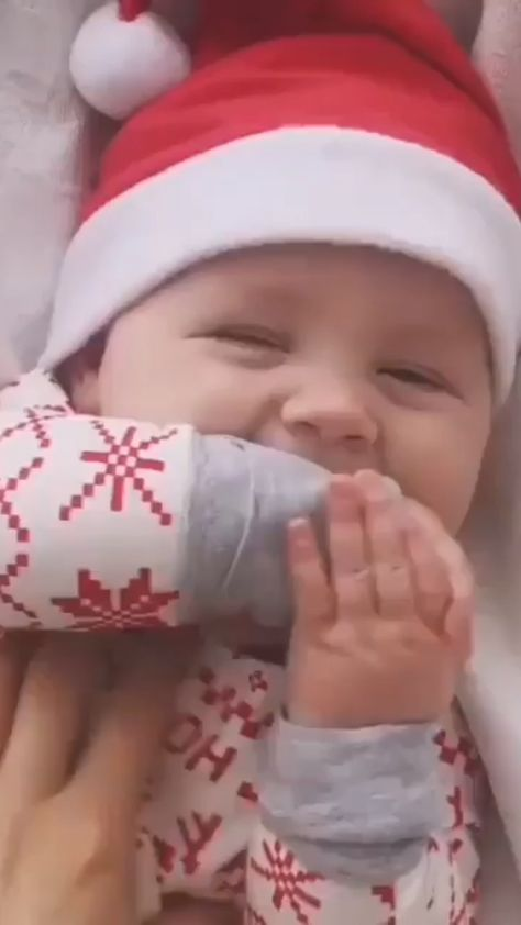 So adorable! So much joy to listen to baby laughter! Please DM FOR CREDIT Found on @babies.awesome #baby #christmasbaby #cozynursery