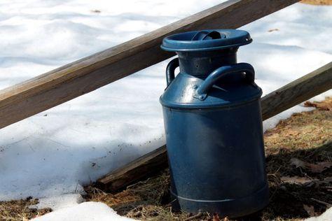 Blue Milk can for color splash
