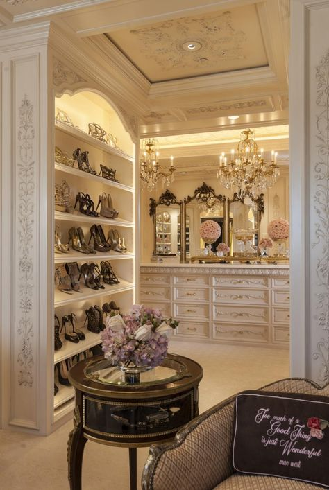 If you're dreaming of a luxury walk-in closet in your home, you're definitely not alone. Visit our gallery of luxurious walk-in closet designs. Dressing Room Closet, Closet Bedroom, Master Closet, Master Suite, Dressing Rooms, Hallway Closet, Dressing Area, Closet Doors, Walk In Wardrobe