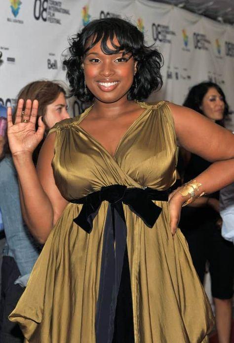Oscar-Gewinnerin Jennifer Hudson hatte lange mit dem ein oder anderen Kilo zu viel zu kämpfen. Nach der Geburt ihres Sohnes David Daniel Otunga Jr. (*2009) kämpfte sie hart gegen ihre Pfunde an.