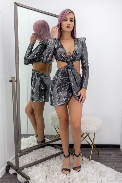 Silver Long Sleeve Body con Open Sides  Mini Dress