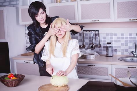 Cooking time - Mika(Buta-kun) Qiu Tong, Pugoffka(Elena Kucheruk) Sun Jing Cosplay Photo - Cure WorldCosplay