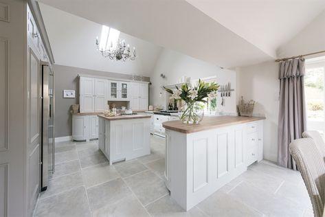 Cool calm kitchen   ~ lovingly pinned by www.skipperwoodhome.co.uk