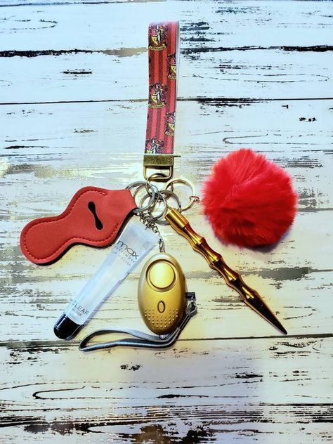 Safety KeychainChapstick HolderAlarmFlashlightWomanGiftsGift ideasSafety GiftDoor OpenerPom PomStylusBottle Opener