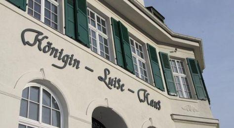 Apartment Am Völkerschlachtdenkmal - #Apartments - $75 - #Hotels #Germany #Leipzig http://www.justigo.com.au/hotels/germany/leipzig/apartments-am-voelkerschlachtdenkmal_221021.html