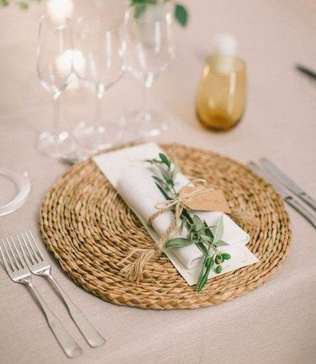 30 Inspiring Wedding Placemats Ideas Since Tablecloths Are Essentially Employed For Table Setting P Wedding Placemats Rustic Table Setting Rustic Wedding Table