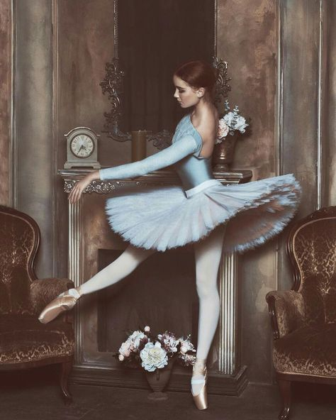 Shared by Esraa majid. Find images and videos about dance, ballet and ballerina on We Heart It - the app to get lost in what you love. Ballet Art, Ballet Girls, Ballet Dancers, Ballerinas, Degas Dancers, Ballerina Art, Ballet Pictures, Dance Pictures, Ballet Costumes